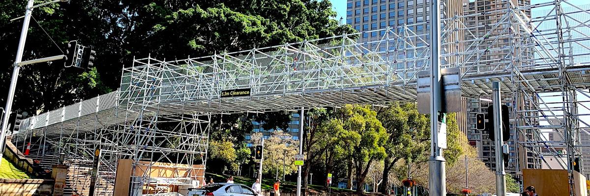 Innovative Scaffold Bridge Keeps Hyde Park Running